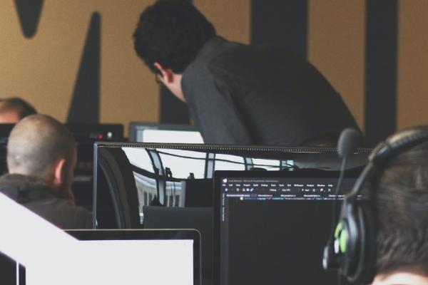 Felece, geleceğe yön verecek yazılımcılar yetiştiriyor