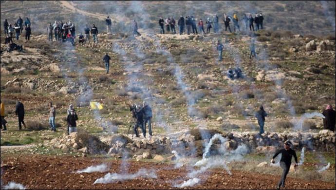 Filistinliler devrimin yıl dönümünü kutluyor