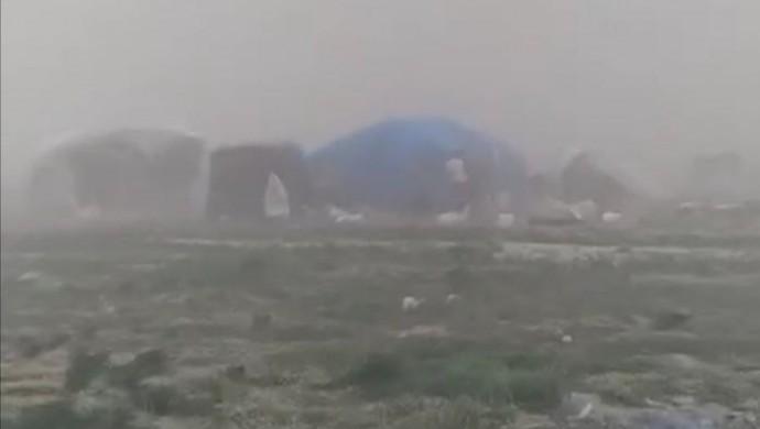Fırtına işçi çadırlarına zarar verdi