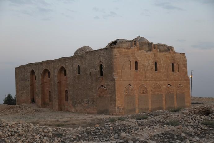 Germuş Kilisesi sessizce yıkılıyor
