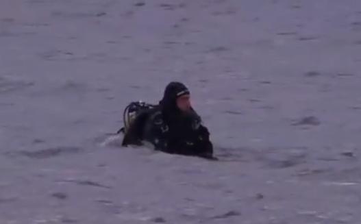 Gölette balık tutarken tekneleri alabora oldu! 3 kişiden 2'si kayboldu