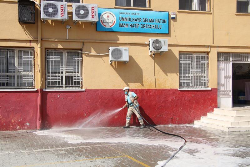 Haliliye Belediyesi yüz yüze eğitim öncesinde temizlik seferberliği başlattı-(Video)