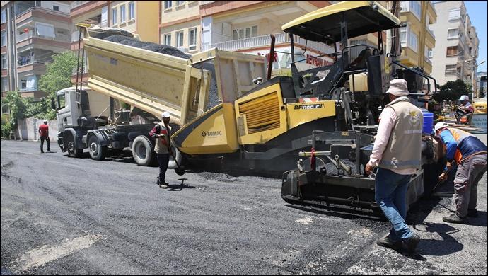 Haliliye Belediyesi, asfalt çalışmalarıyla ilçenin çehresini değiştiriyor-(VİDEO)
