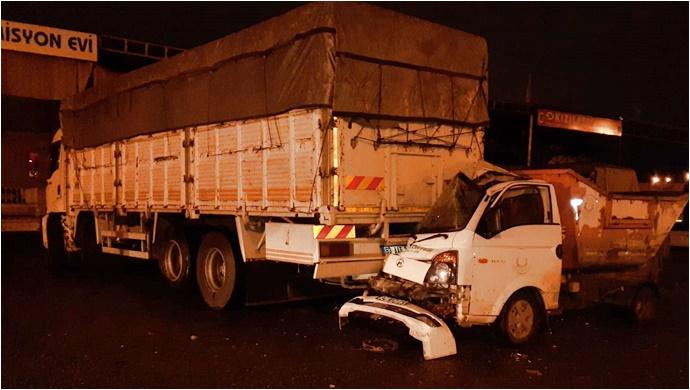 Haliliye Belediyesi Aracı Kaza Yaptı