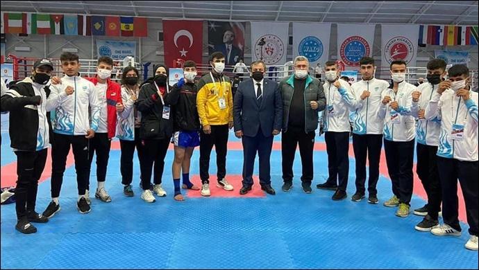 Haliliye Belediyespor Kick Boks Takımı, Şampiyonaya Damgasını Vurdu