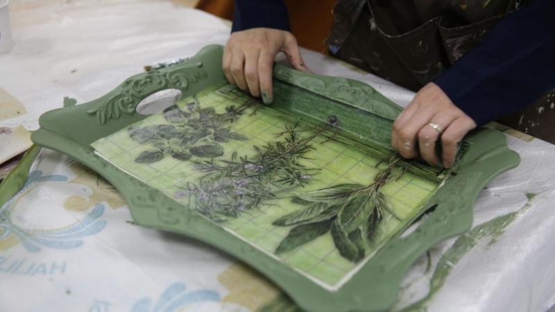 Haliliye'de kadınlar, eski ürünleri sanata dönüştürüyor-(VİDEO)