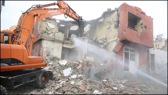 Haliliye'de Metruk Yapıların Yıkımı Sürüyor-(Video)