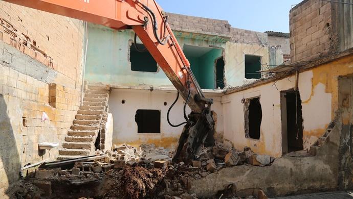 Haliliye'de Riskli Yapılar Bir Bir Yıkılıyor-(VİDEO)