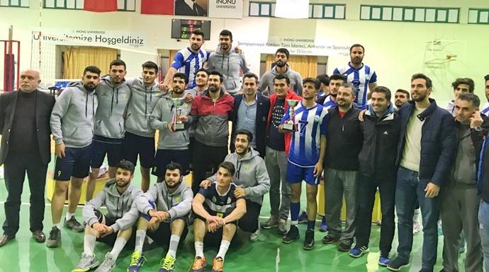 Harran Üniversitesinde Voleybol Takımı Namağlup Şampiyon