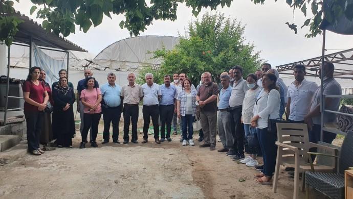HDP'lilerden çilek üreticilerine ziyaret
