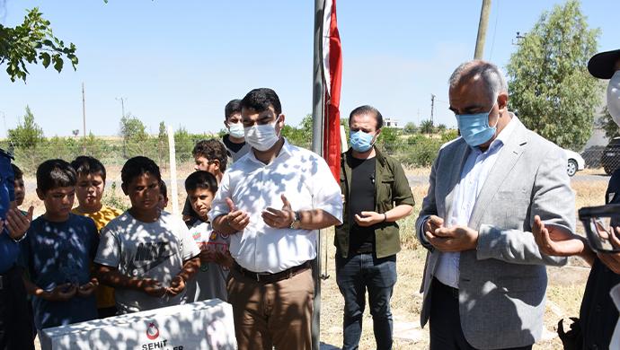 Hilvan'da 15 Temmuz etkinlikleri Şehit kabirlerinin ziyareti ile başladı