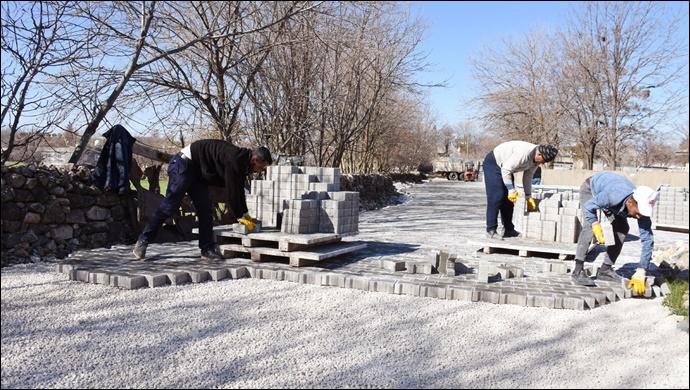 Hilvan'da kilitli parke taşı döşeme çalışması