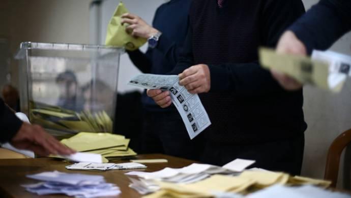 İstanbul'da oy sayımı başladı