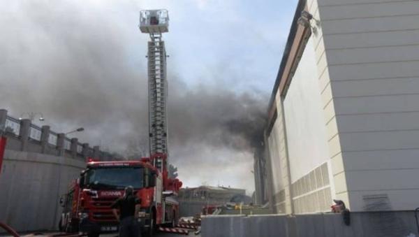 İstanbul'da yangın: 1 kişi yaşamını yitirdi