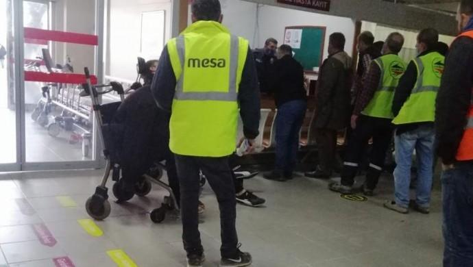 İstanbul'da yemekten zehirlenen 200 işçi hastaneye kaldırıldı