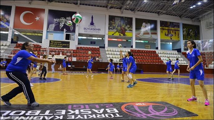 İzmir Büyükşehir Belediyesi Spor Okulları yeniden açılıyor