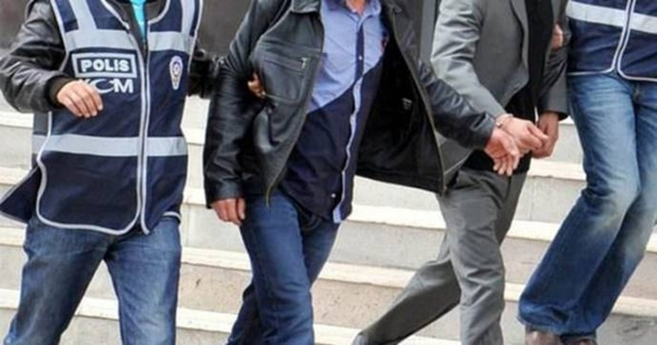 İzmir'de 8 kişi tutuklandı
