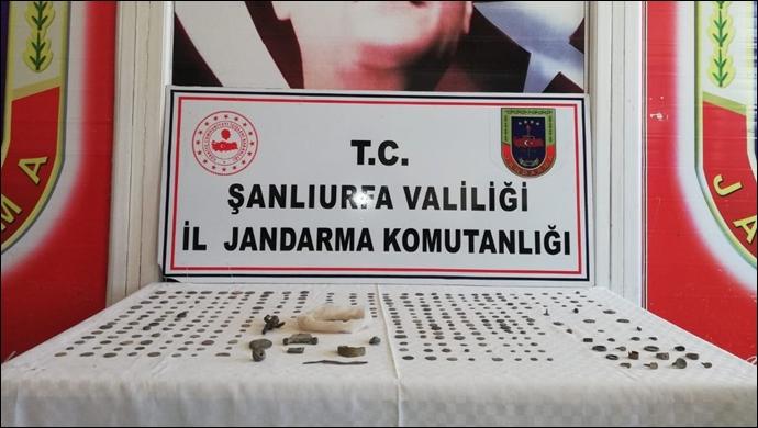 Jandarma tarihi eser kaçakçılarına 'dur' dedi: Yüzlerce tarihi eser yakalandı