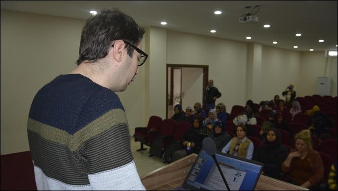 """Kadınlara yönelik """"aile içi iletişim"""" semineri düzenlendi"""