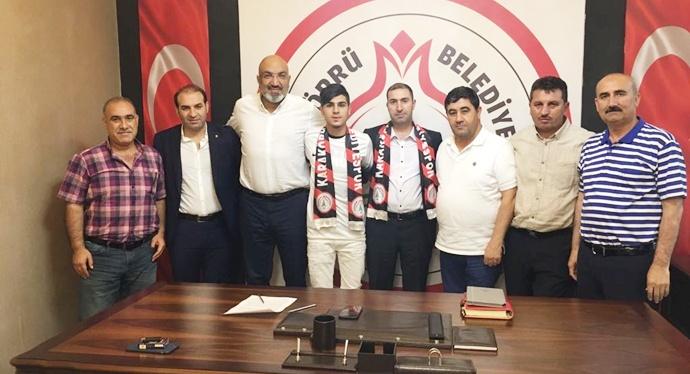 Karaköprü İç Transferde 3 Futbolcu İle Anlaştı