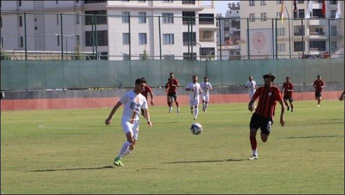 Karbel Karaköprü Belediye Spor - Edirnespor: 0-2