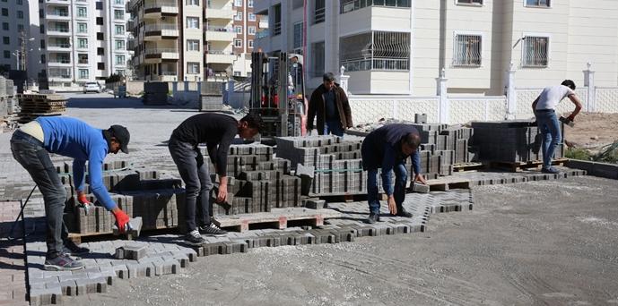 Karaköprü'de Kilitli Parke Çalışmalarına Hız Verildi