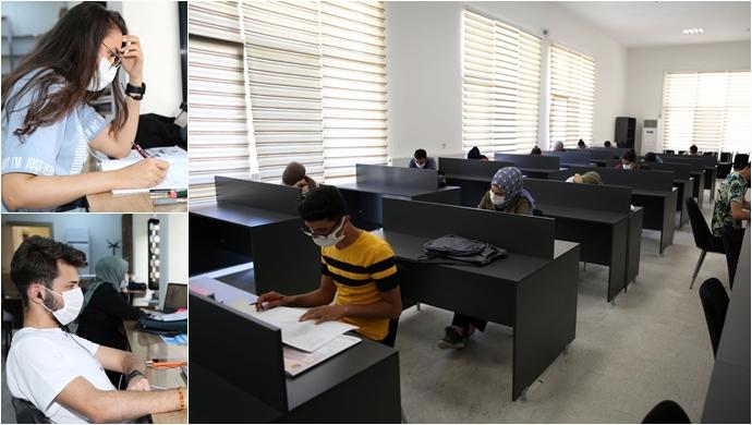 Karaköprü'de Öğrenciler Sınavlara Okuma Evlerinde Hazırlanıyor-(VİDEO)