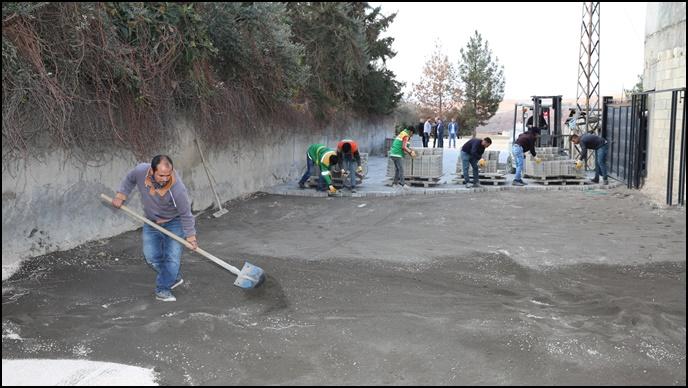 Karaöprü'de Kırsal Mahalleler Ve Yollara Kilitli Parke Çalışmaları-(Video)