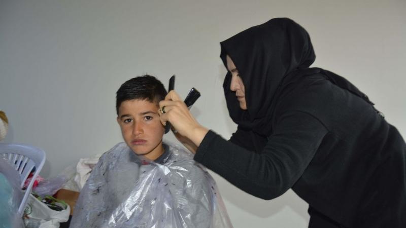 Kırsal Mahallelerde Çocuklara Ücretsiz Saç Bakımı
