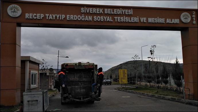 Kırsal mahallelerdeki çöpler toplanmaya başladı
