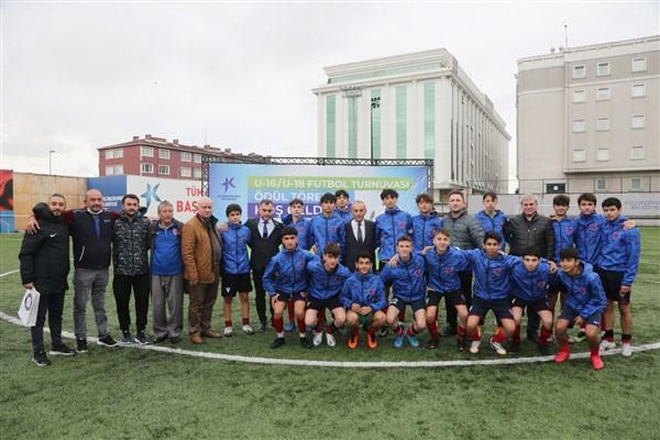 Küçükçekmece Belediyesi Başkanlık Turnuvası'nda şampiyonlar belli oldu