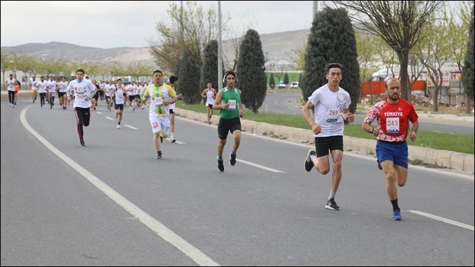 Kurtuluş Yarı Maratonu Renkli Görüntülere Sahne Oldu-(VİDEO)
