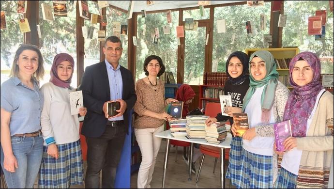 Laü'den Kitap Bağışı
