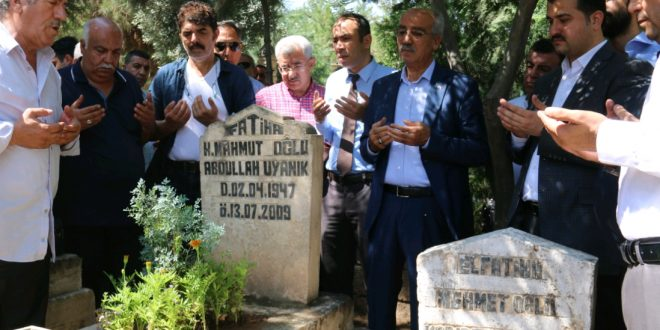 Merhum Urfalı Sanatçı Abdullah Uyanık Mezarı Başında Anıldı