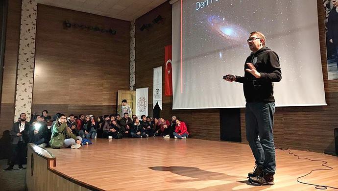 NASA'da Görevli Türk Bilim İnsanı Umut Yıldız HRÜ'nün Davetlisiydi