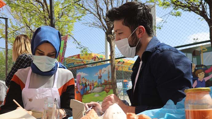 Rehberlik sokağı geleneksel el sanatlarıyla renklendi-(VİDEO)