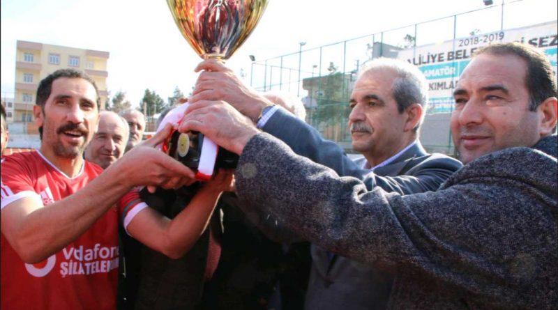 Şampiyon Takımın Kupasını Başkan Demirkol Verdi