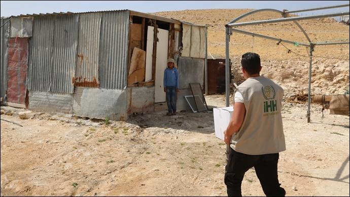 Şanlıurfa İHH Kudüs'lülere Gıda Kolisi Yardımı Yapıyor