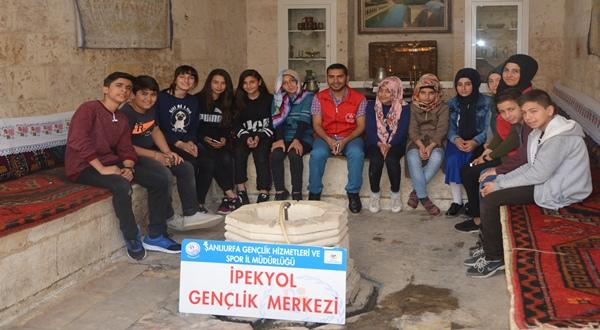 Şanlıurfa ipekyol gençlik merkezi Gençlerinden müze ziyaretleri