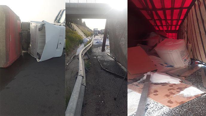 Şanlıurfa karayolunda kaza! TIR yan yattı