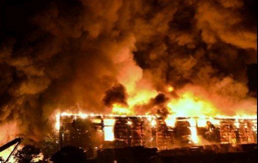 Şanlıurfa Organize Sanayi'de Fabrika Yangını