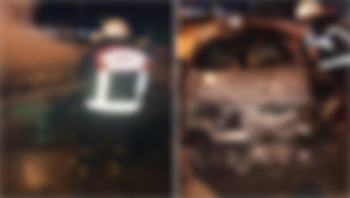 Şanlıurfa'da 2 Araç Alev Alev Yandı: İtfaiye Müdahale Etti