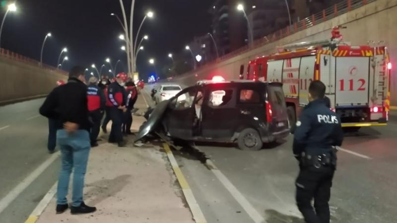 Şanlıurfa'da araç köprüden uçtu! Sürücü yaralandı