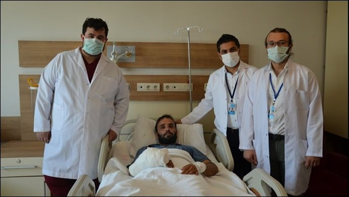 Şanlıurfa'da başarılı operasyon: Ayak parmağı eline nakledildi -(VİDEO)