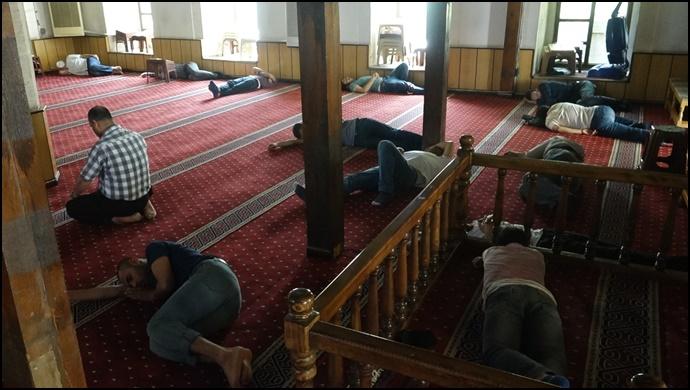 Şanlıurfa'da Camide Ramazan Uykusu