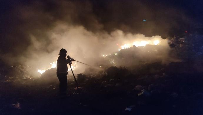 Şanlıurfa'da hurdalık cayır cayır yandı!-(VİDEO)