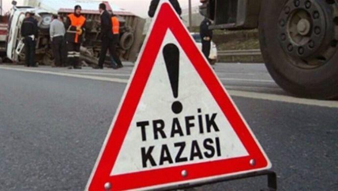 Şanlıurfa'da kamyonet ile otomobil çarpıştı: 5 kişi yaralandı