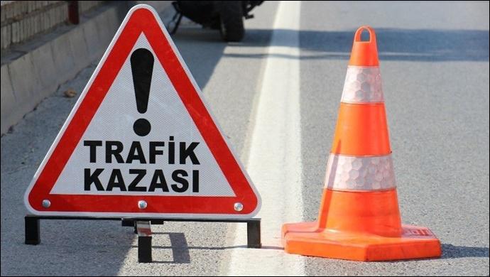 Şanlıurfa'da refüje çarpan otomobil devrildi: 5 kişi yaralandı