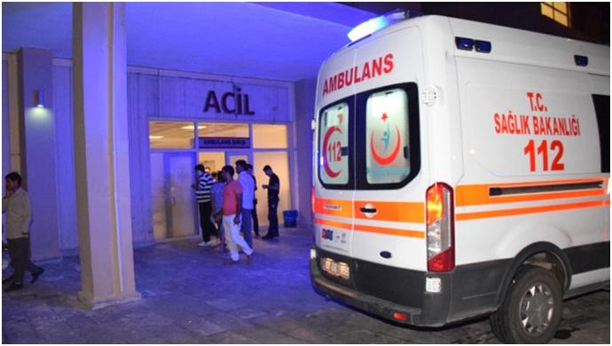 Şanlıurfa'da TIR, otomobile çarptı: 2 yaralı