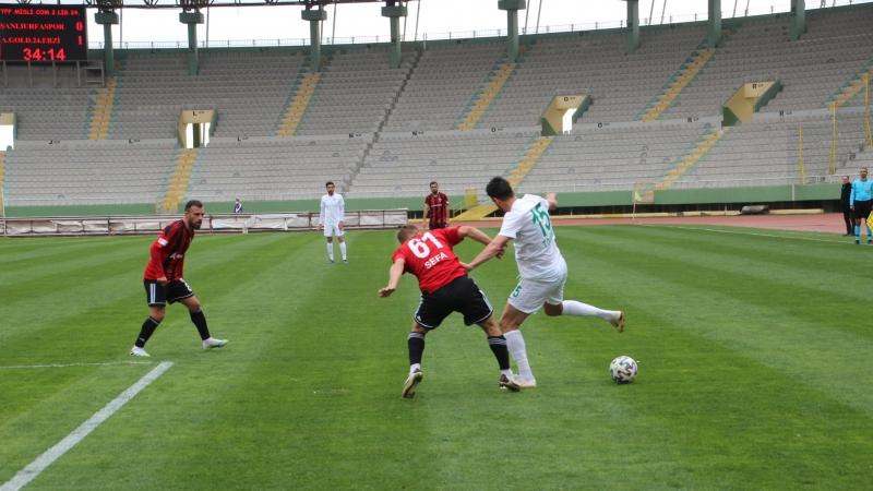 Şanlıurfaspor Erzincanspor'u ağırlıyor! Maçta gol sesi var!